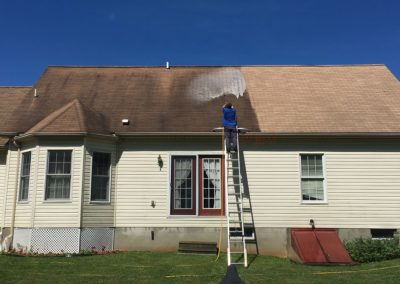 Brown-Roof-Shingle-Cleaning800x600
